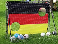 Torwandschießen bei Fußballspielen